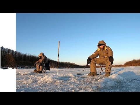 Зимняя рыбалка на реке Тунгуска. Рыбалка на щуку зимой.