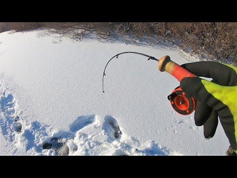 ПОСТАВИЛ 5 ЖЕРЛИЦ И ВЗЯЛ БАЛАНСИР В РУКИ! Зимняя Рыбалка на реке после бурана!