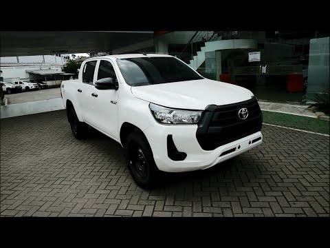 Review Toyota Hilux E 4x4 FL 2020