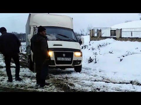 Машина Газел застрял в снегу | Трактор Т-25 пришёл на помош | Gazelle car stuck in the snow