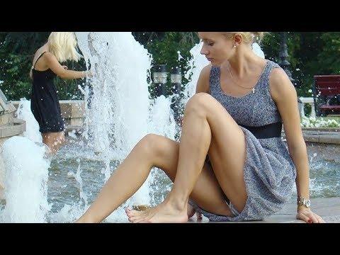 Как девушки спасаются от жары